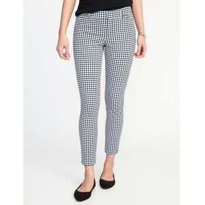 Old Navy Black & White Gingham Pixie Ankle Pants